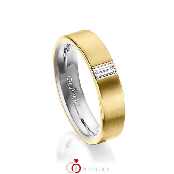bicolor Trauring/Ehering in aussen Gelbgold 750 , innen Platin 950 mit zus. 0,2 ct. Baguette-Diamant tw, vs von acredo - A-1481-13