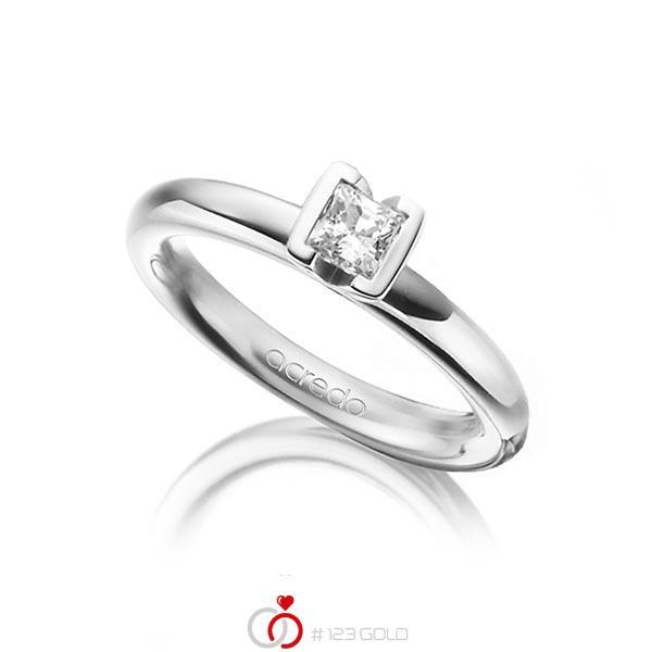 klassischer Trauring/Ehering in Weißgold 750 mit 0,4 ct. Prinzess-Diamant tw, vs von acredo - A-1298-18