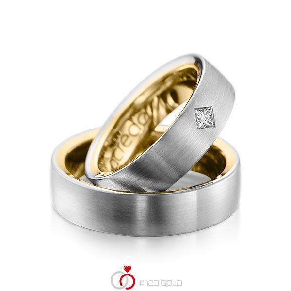 Paar bicolor Trauringe/Eheringe in außen Graugold 585 , innen Gelbgold 585 mit zus. 0,12 ct. Prinzess-Diamant tw, si von acredo - A-1073-1