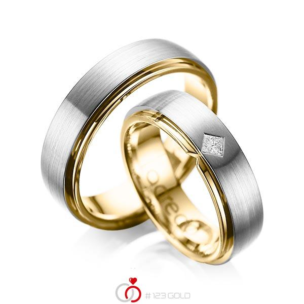 Paar bicolor Trauringe/Eheringe in aussen Graugold 585 , innen Gelbgold 585 mit zus. 0,1 ct. Prinzess-Diamant tw, si von acredo - A-1061-1