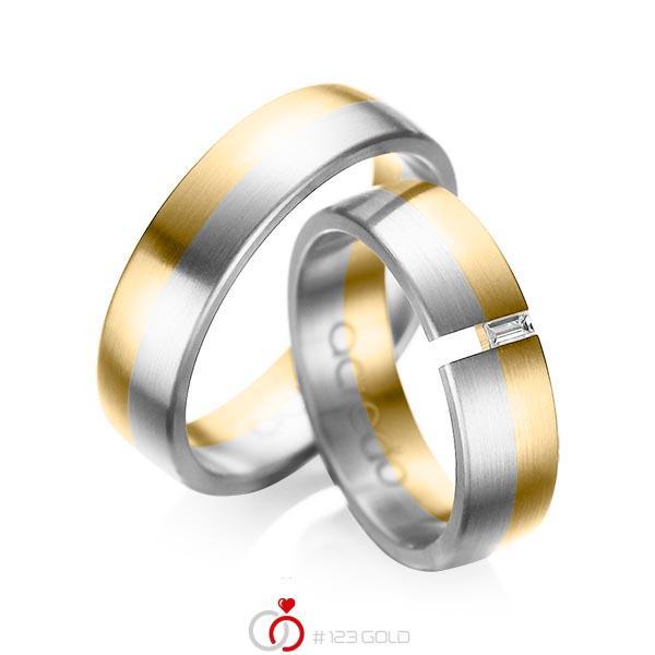Paar bicolor Trauringe/Eheringe in Gelbgold 585 Weißgold 585 mit zus. 0,05 ct. Baguette-Diamant tw, vs von acredo - A-1035-1