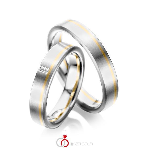 Paar bicolor Trauringe/Eheringe in Weißgold 585 Gelbgold 585 mit zus. 0,05 ct. Baguette-Diamant tw, vs von acredo - A-1022-4