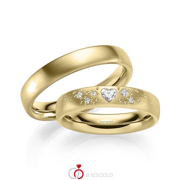 Paar klassische Trauringe/Eheringe in außen Gelbgold 585 , innen Gelbgold 585 mit zus. 0,146 ct. Herz-Diamant & Brillant tw, vs tw, si von acredo - A-2131-5