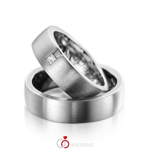 Paar klassische Trauringe/Eheringe in außen Graugold 585 , innen Graugold 585 mit zus. 0,06 ct. Prinzess-Diamant tw, si von acredo - A-1091-4