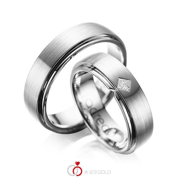 Paar klassische Trauringe/Eheringe in außen Graugold 585 , innen Graugold 585 mit zus. 0,1 ct. Prinzess-Diamant tw, si von acredo - A-1061-11