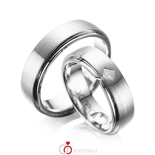Paar klassische Trauringe/Eheringe in aussen Weissgold 585 , innen Weissgold 585 mit zus. 0,1 ct. Prinzess-Diamant tw, si von acredo - A-1061-7