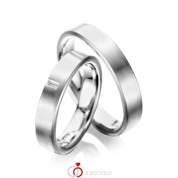 Paar klassische Trauringe/Eheringe in Weißgold 585 mit zus. 0,05 ct. Baguette-Diamant tw, vs von acredo - A-1022-12