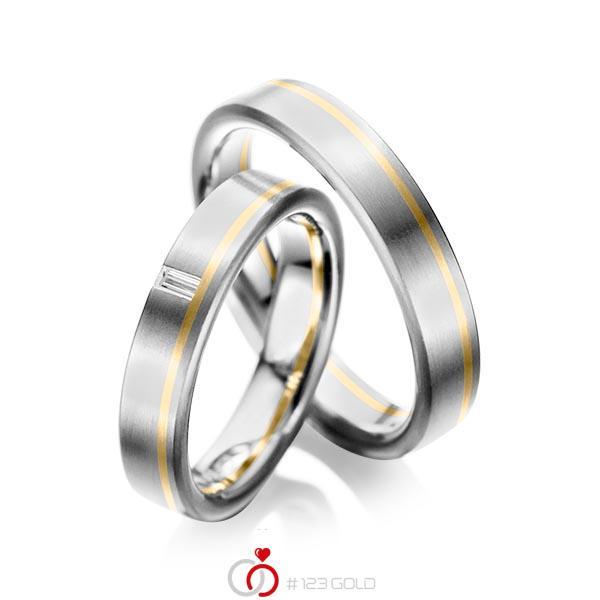 Set Bicolor trouwringen in grijsgoud 14 kt. geelgoud 14 kt. met in totaal 0,05 ct. Baguette-Diamant tw,vs van acredo - A-1022-1