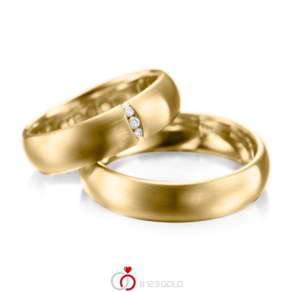 Set klassieke trouwringen in geelgoud 14 kt. met in totaal 0,035 ct. Briljant tw/si van acredo - A-1059-1