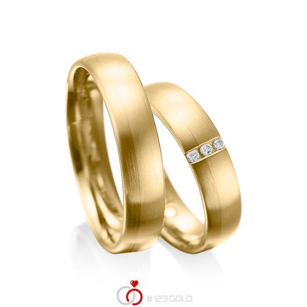 Set klassieke trouwringen in geelgoud 14 kt. met in totaal 0,045 ct. Briljant tw/si van acredo - A-1010-9