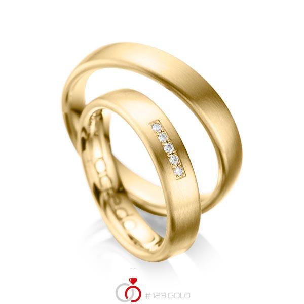 Set klassieke trouwringen in geelgoud 14 kt. met in totaal 0,05 ct. Briljant tw/si van acredo - A-1052-1