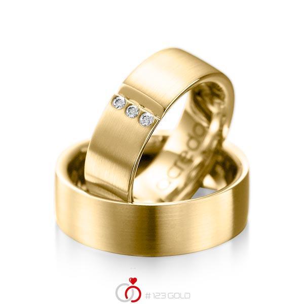 Set klassieke trouwringen in geelgoud 14 kt. met in totaal 0,06 ct. Briljant tw/si van acredo - A-1068-3