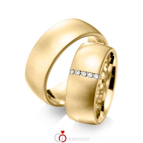 Set klassieke trouwringen in geelgoud 14 kt. met in totaal 0,075 ct. Briljant tw/si van acredo - A-1092-4