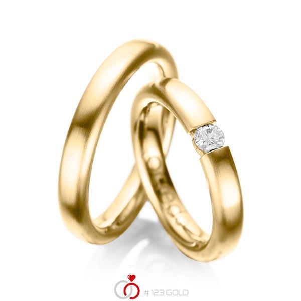 Set klassieke trouwringen in geelgoud 14 kt. met in totaal 0,2 ct. Briljant tw/si van acredo - A-1051-1