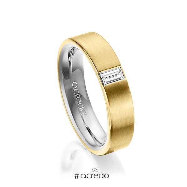 bicolor Trauring/Ehering in außen Gelbgold 585 , innen Graugold 585 mit zus. 0,2 ct. Baguette-Diamant tw, vs von acredo