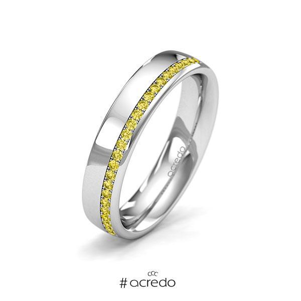 klassischer Memoire-Trauring/Ehering in Weißgold 585 halbausgefasst mit zus. 0,184 ct. Brillant gelb von acredo