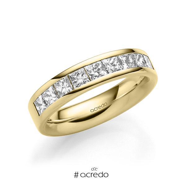 klassischer Trauring/Ehering in außen Gelbgold 585 , innen Gelbgold 585 mit zus. 1,2 ct. Prinzess-Diamant tw, si von acredo