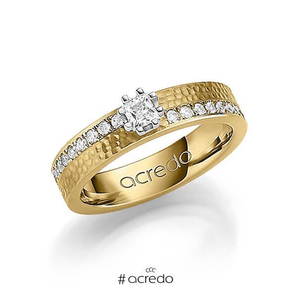 klassischer Trauring/Ehering in Gelbgold 585 gehämmert Struktur mit zus. 0,74 ct. Prinzess-Diamant & Brillant tw, si von acredo