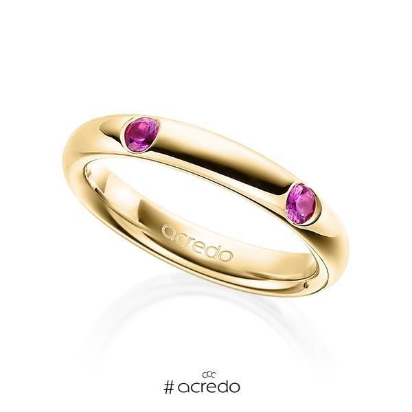 klassischer Trauring/Ehering in Gelbgold 585 mit zus. 0,4 ct. Brillant Saphir Pink (A 10) von acredo