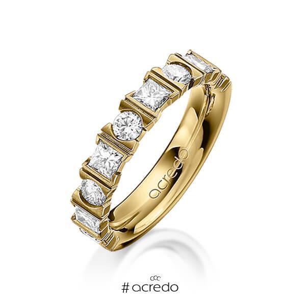 klassischer Trauring/Ehering in Gelbgold 585 mit zus. 1,2 ct. Brillant & Prinzess-Diamant tw, vs von acredo