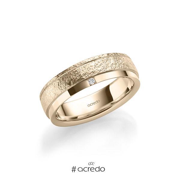 klassischer Trauring/Ehering in Signature Gold 585 crushed Struktur, mit zus. 0,03 ct. Prinzess-Diamant tw, si von acredo