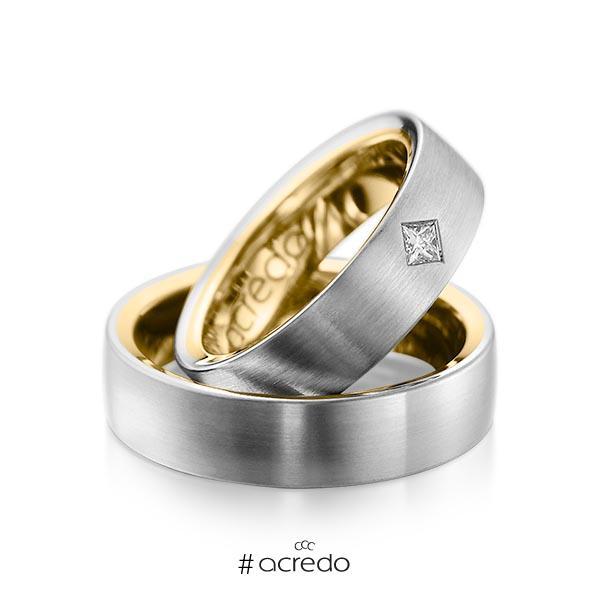 Paar bicolor Trauringe/Eheringe in außen Graugold 585 , innen Gelbgold 585 mit zus. 0,12 ct. Prinzess-Diamant tw, si von acredo