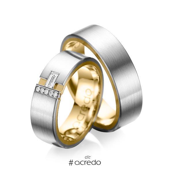 Paar bicolor Trauringe/Eheringe in außen Graugold 585 , innen Gelbgold 585 mit zus. 0,155 ct. Baguette-Diamant & Brillant tw, vs tw, si von acredo