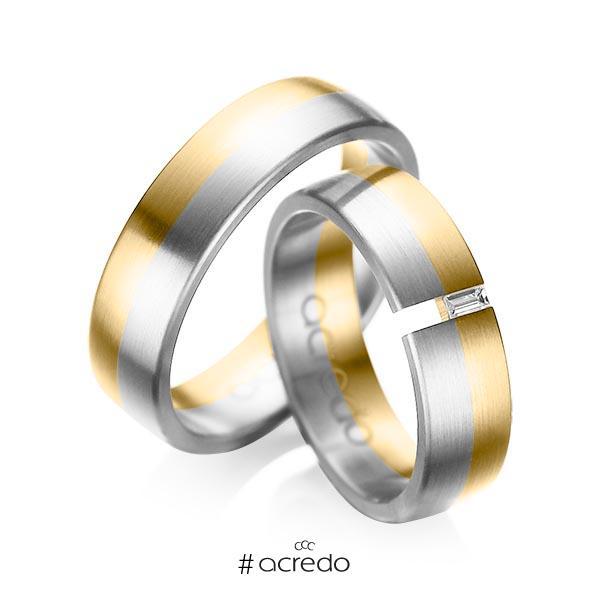 Paar bicolor Trauringe/Eheringe in Gelbgold 585 Weißgold 585 mit zus. 0,05 ct. Baguette-Diamant tw, vs von acredo