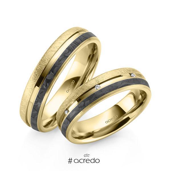 Paar Carbon Trauringe/Eheringe in Gelbgold 585 Gelbgold 585 mit Carbon-Einzug mit zus. 0,056 ct. Brillant tw, si von acredo