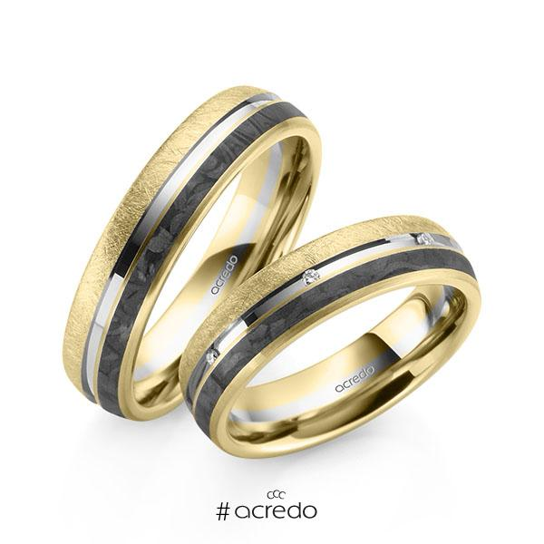 Paar Carbon Trauringe/Eheringe in Gelbgold 585 Gelbgold 585 mit Carbon-Einzug Weißgold 585 mit zus. 0,056 ct. Brillant tw, si von acredo