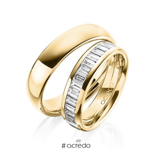 Paar klassische Memoire-Trauringe/Eheringe in außen Gelbgold 585 , innen Gelbgold 585 halbausgefasst mit zus. 1,36 ct. Baguette-Diamant tw, vs von acredo