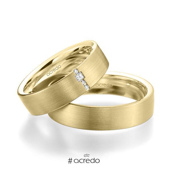 Paar klassische Trauringe/Eheringe in außen Gelbgold 585 , innen Gelbgold 585 mit zus. 0,045 ct. Brillant & Prinzess-Diamant tw, si von acredo
