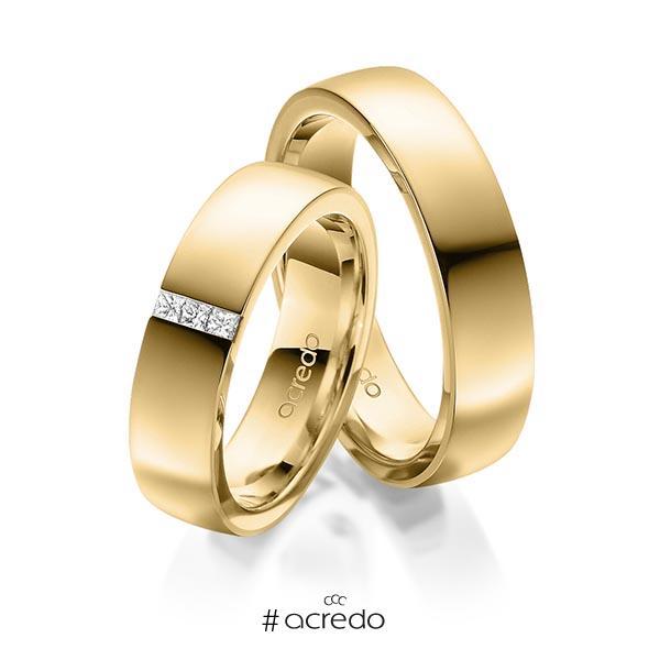 Paar klassische Trauringe/Eheringe in außen Gelbgold 585 , innen Gelbgold 585 mit zus. 0,09 ct. Prinzess-Diamant tw, si von acredo