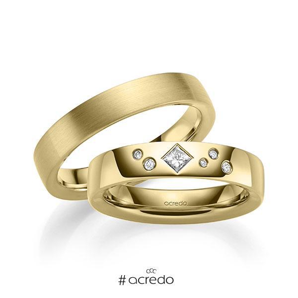 Paar klassische Trauringe/Eheringe in außen Gelbgold 585 , innen Gelbgold 585 mit zus. 0,146 ct. Brillant & Prinzess-Diamant tw, si von acredo