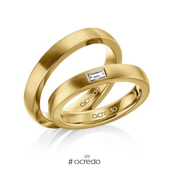 Paar klassische Trauringe/Eheringe in außen Gelbgold 585 , innen Gelbgold 585 mit zus. 0,15 ct. Baguette-Diamant tw, vs von acredo