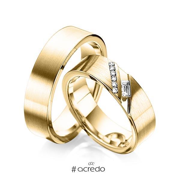 Paar klassische Trauringe/Eheringe in außen Gelbgold 585 , innen Gelbgold 585 mit zus. 0,16 ct. Baguette-Diamant & Brillant tw, vs tw, si von acredo