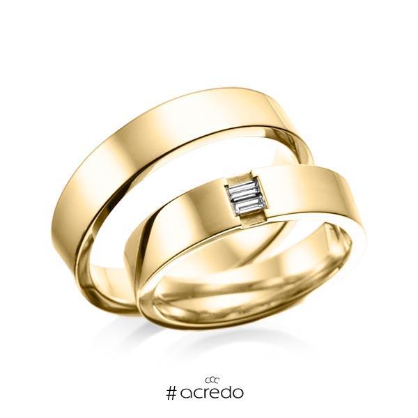 Paar klassische Trauringe/Eheringe in außen Gelbgold 585 , innen Gelbgold 585 mit zus. 0,1 ct. Baguette-Diamant tw, vs von acredo