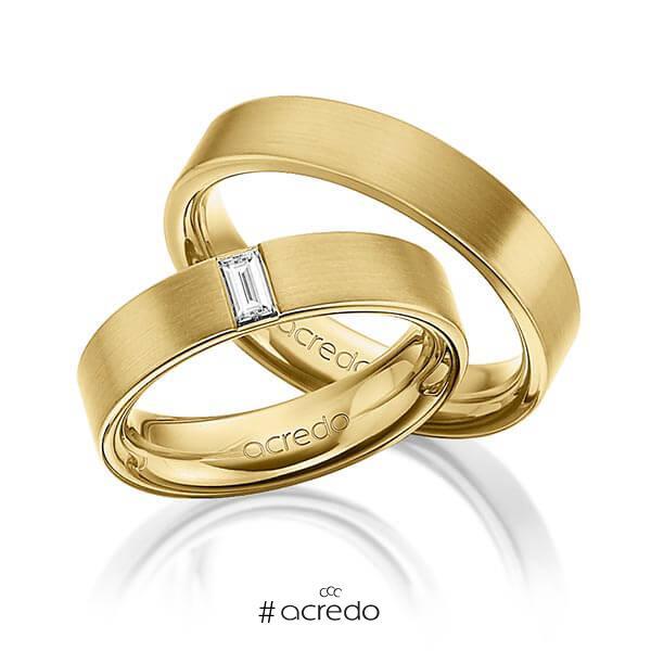 Paar klassische Trauringe/Eheringe in außen Gelbgold 585 , innen Gelbgold 585 mit zus. 0,2 ct. Baguette-Diamant tw, vs von acredo
