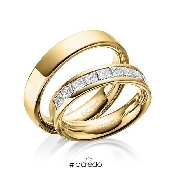 Paar klassische Trauringe/Eheringe in außen Gelbgold 585 , innen Gelbgold 585 mit zus. 1,2 ct. Prinzess-Diamant tw, si von acredo