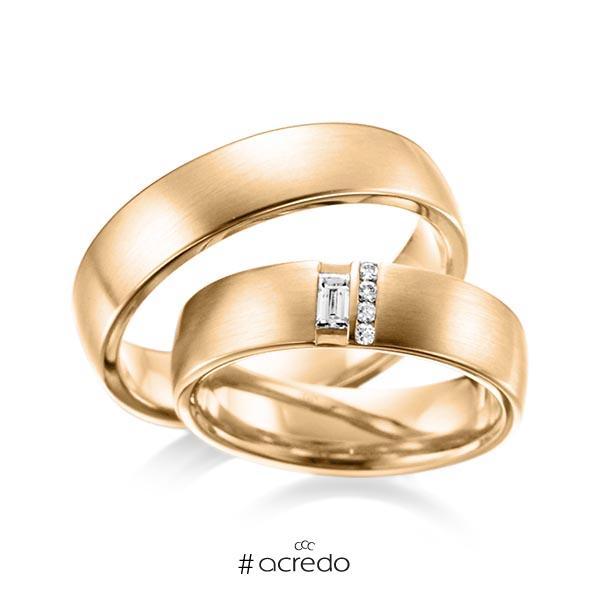 Paar klassische Trauringe/Eheringe in außen Roségold 585 , innen Roségold 585 mit zus. 0,132 ct. Baguette-Diamant & Brillant tw, vs von acredo