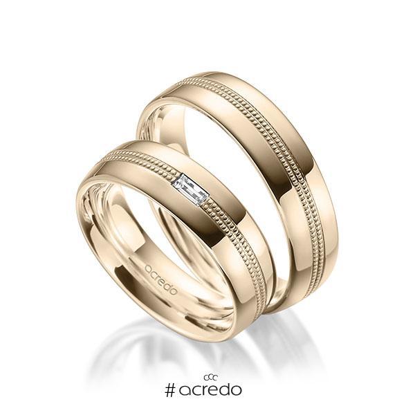 Paar klassische Trauringe/Eheringe in außen Signature Gold 585 , innen Signature Gold 585 mit zus. 0,1 ct. Baguette-Diamant tw, vs von acredo