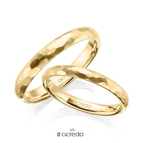 Paar klassische Trauringe/Eheringe in Gelbgold 585 gehämmert Struktur von acredo