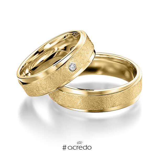 Paar klassische Trauringe/Eheringe in Gelbgold 585 mit zus. 0,02 ct. Brillant tw, si von acredo