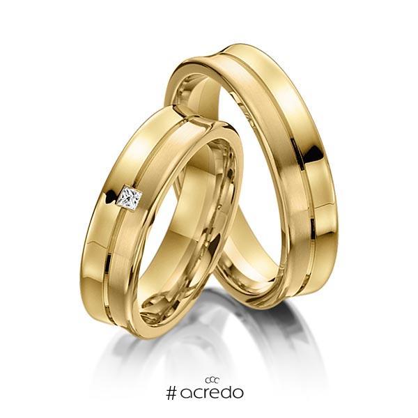 Paar klassische Trauringe/Eheringe in Gelbgold 585 mit zus. 0,03 ct. Prinzess-Diamant tw, vs von acredo