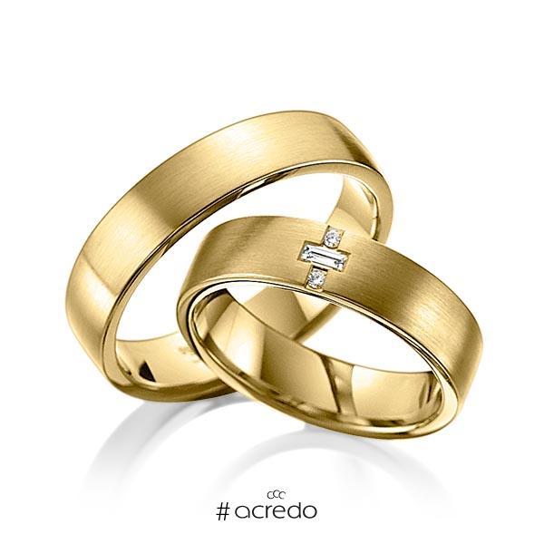 Paar klassische Trauringe/Eheringe in Gelbgold 585 mit zus. 0,07 ct. Brillant & Baguette-Diamant tw, vs von acredo
