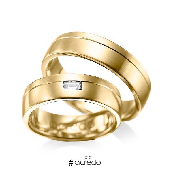 Paar klassische Trauringe/Eheringe in Gelbgold 585 mit zus. 0,15 ct. Baguette-Diamant tw, vs von acredo