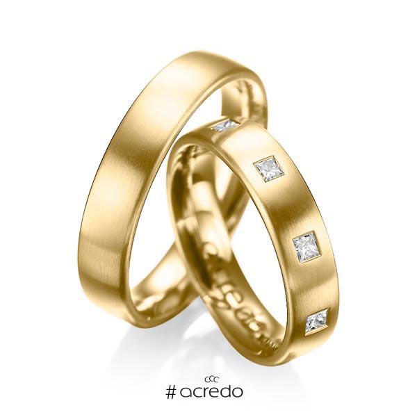 Paar klassische Trauringe/Eheringe in Gelbgold 750 mit zus. 0,45 ct. Prinzess-Diamant tw, si von acredo